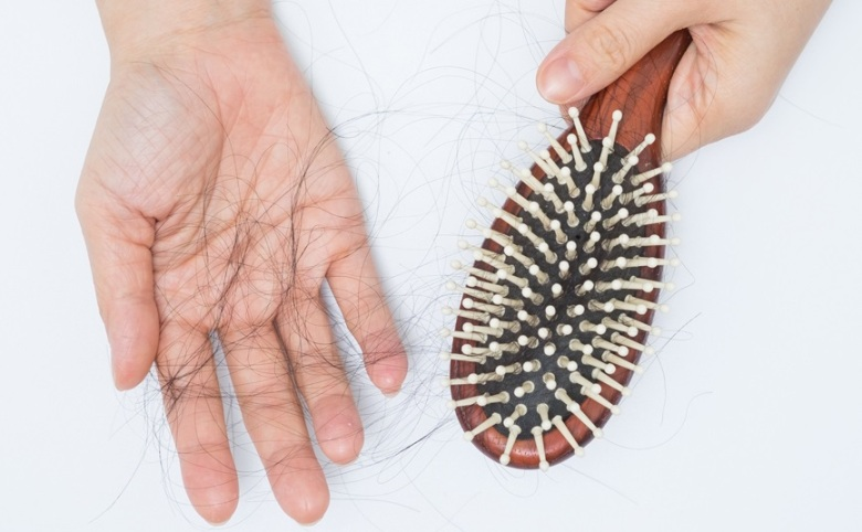 Simple Tips to Control Hair Fall